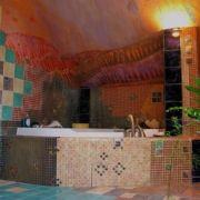 Badezimmerdesign - Steinmosaik - Wandrelief