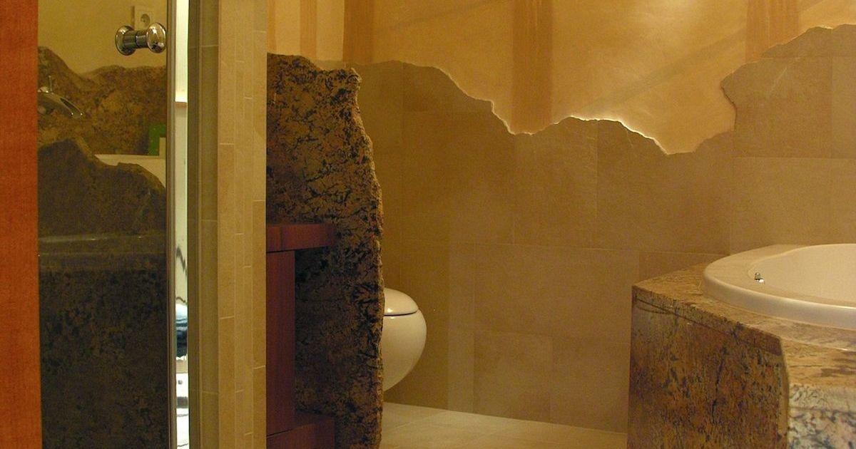 Baddesign - Granitwand - Fliesenlandschaft