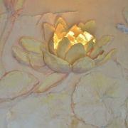 Lotoslamperelief - dezener Farbauftrag - Wellnessraum