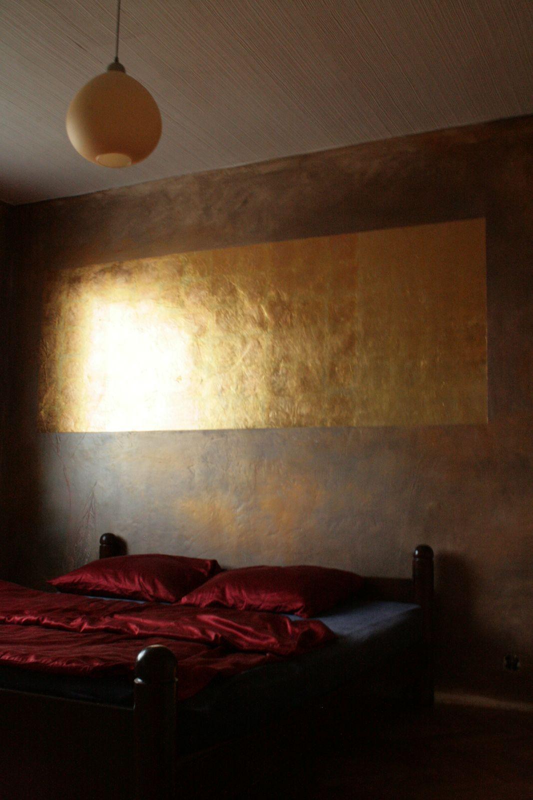 Bronzewand - Goldblatt